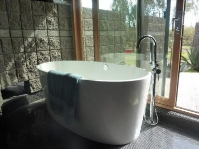 custom-bathroom-bathtub